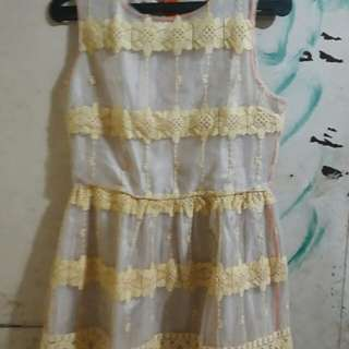 Dress bunga-bunga..
