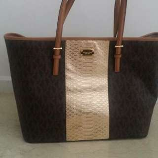 Never Used Michael Korrs Tote