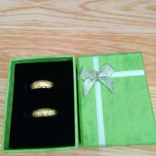 couple or wedding ring gold