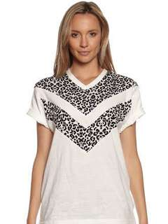 Cameo snow leopard tee size S