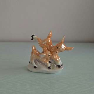 70s porcelain deer perfect condition