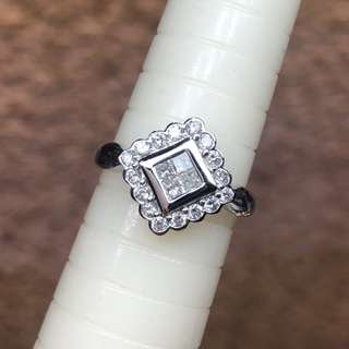 Pt900 princess & round diamond ring