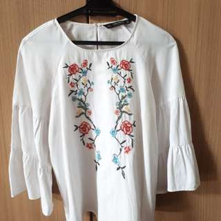Zara White Embroided Blouse ( Authentic)