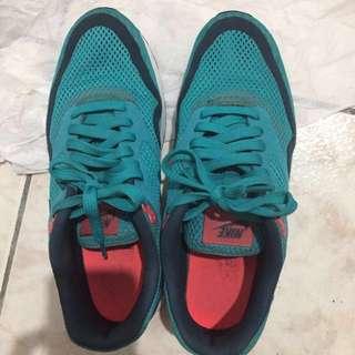 Nike air max 球鞋