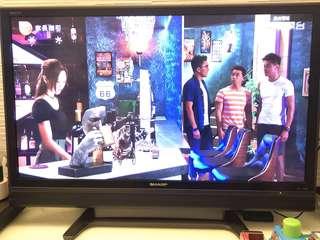 Sharp 內置高清46寸TV- Made in Japan