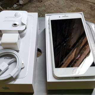 For sale Iphone 8 plus 64GB silver globelocked