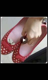 全新紅色點點平底鞋