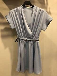 藍色氣質短袖低胸文青v領縮腰洋裝