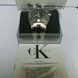 減價  ~Calvin Klein (絕版)男裝手錶!