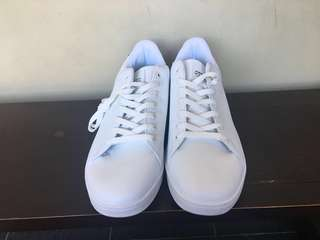 White Shoes (Brand New)
