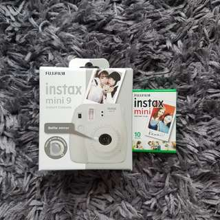 FUJI FILM INSTAX MINI 9 CAMERA