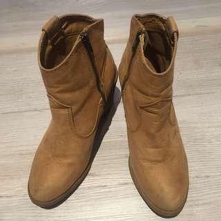 H&M副牌divided麂皮感粗跟低筒短靴38