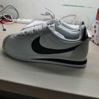 Nike阿甘鞋(黑白)
