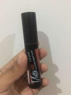 lipstik LA girl shade fleur