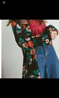 Mercci22 花花罩衫外套