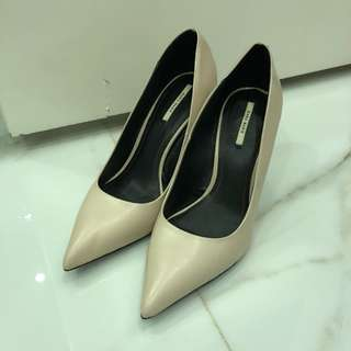 ZARA SIZE 38 used once nude court pointed heels stilletos