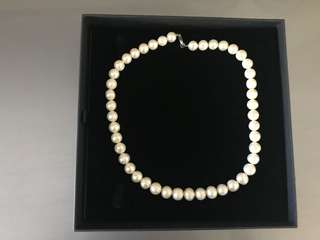 Real pearls and silver necklace