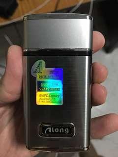 Pocket Shaver Along rechargeable shaver