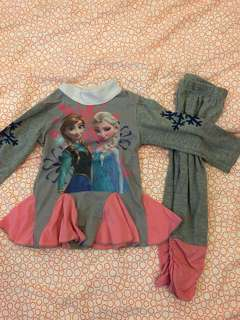 Frozen sleeps wear
