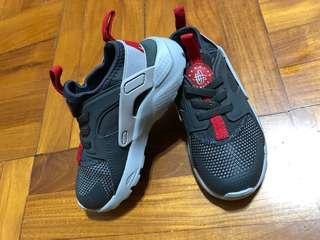 正版Nike Kid Huarache size 9c
