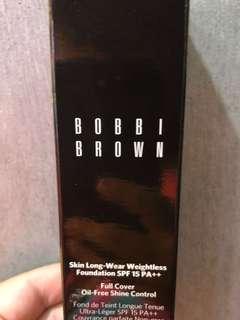 Bobbi brown 持久無痕輕感粉底液