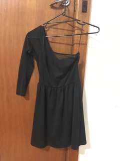 Cute black one sleeve lace dress