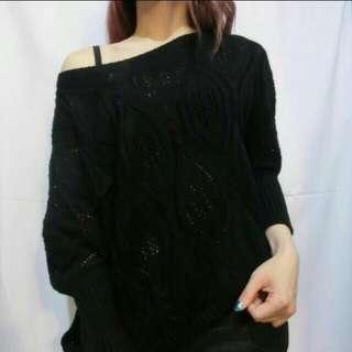 🚚 黑色斜露肩寬袖針織毛衣