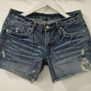 Denim ragged shorts