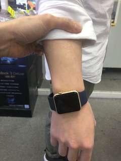 Apple Watch  第一代 95%新  帶了3次 可議價
