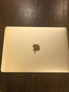 Macbook 12inch gold color (late in 2015)