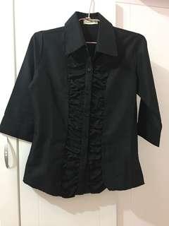 🚚 #春夏秋七分袖氣質全黑細條紋襯衫 #s到m碼 #200元 #涼爽有腰身又顯瘦