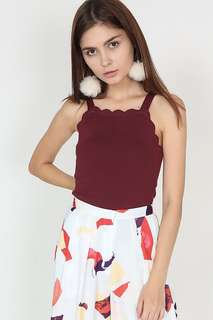 MDS scallop knit top in oxblood
