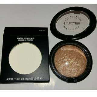MAC Mineralize Skinfinish Highlighter #Soft and Gentle