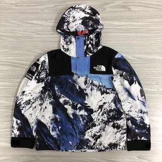 supreme x The North Face 雪山冲锋衣