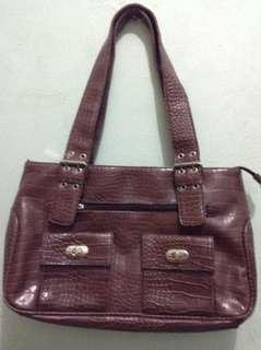 Avenue Shoulder Bag