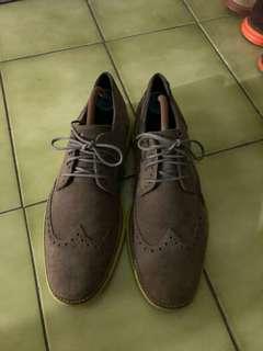 🚚 Cole haan 雕花鞋 us 8.5
