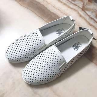 L'AIGLON 白色平底休閒鞋 小白鞋