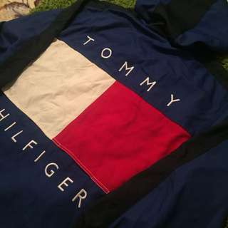 VINTAGE TOMMY HILFIGER BIG FLAG JACKET