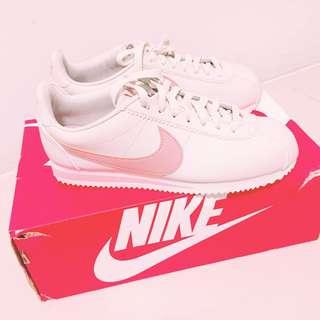 ✨全新✨Nike粉紅阿甘鞋
