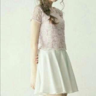 白色鬆緊帶裙
