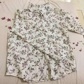 白粉小碎花雪紡襯衫