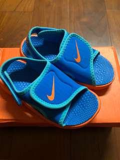Nike涼鞋15公分
