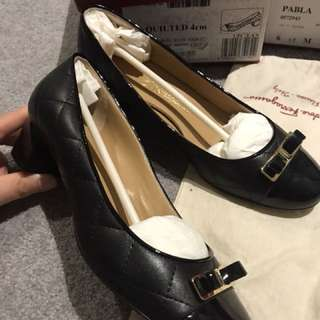 99%NEW authentic Ferragamo classic black Pump Size 6M