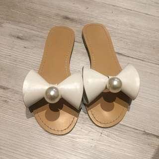 立體蝴蝶結大珍珠平底拖鞋38