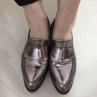 🚚 金屬風樂福鞋