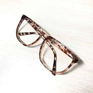 免費🆓穿搭必備造型眼鏡 #換季五折