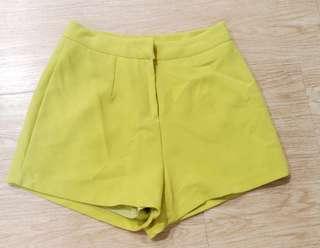 東區精品店購入正韓黃綠色西裝短褲(全新)