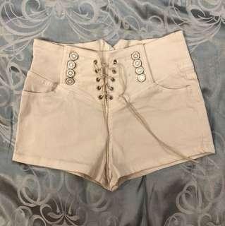 🚚 白色棉質短褲