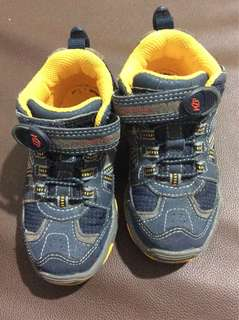 High-cut shoes stride rite for kids