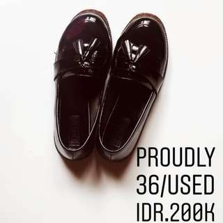 Proudly shoes